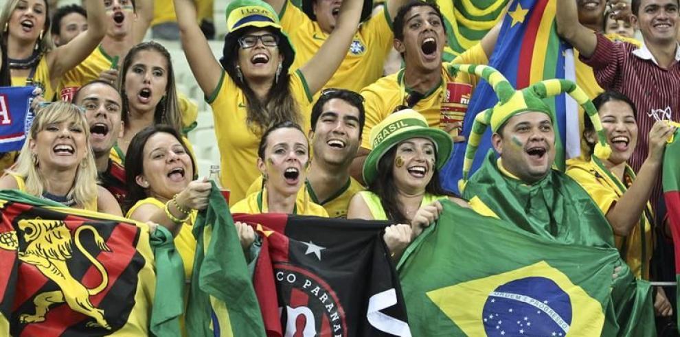 Brasil se vuelca a las calles para celebrar clasificación
