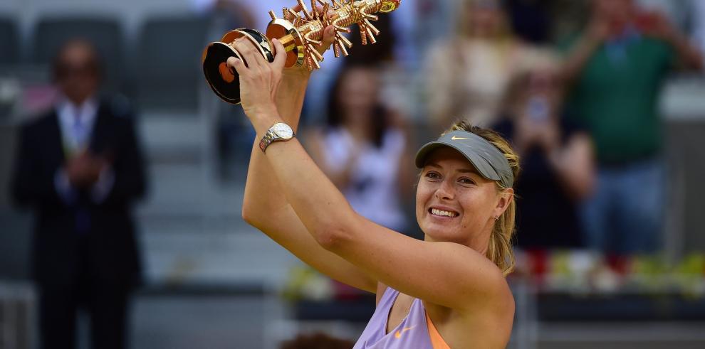 Sharapova se saca la espina y gana en Madrid