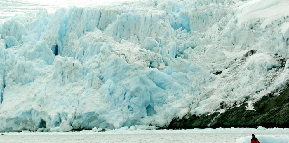 Cambio climático provocó mayor intensidad de los vientos antárticos