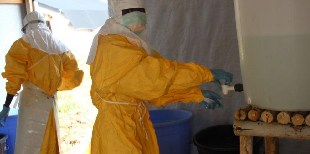 Las muertes por el brote de ébola superan las 4.000, según la OMS