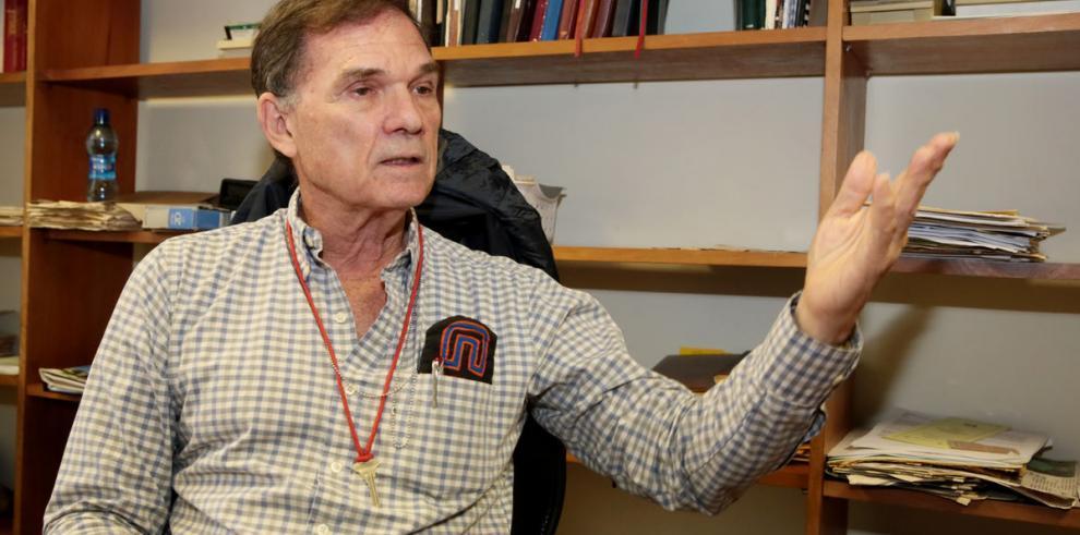 Alcaldía reconoce labor de científico del Smithsonian