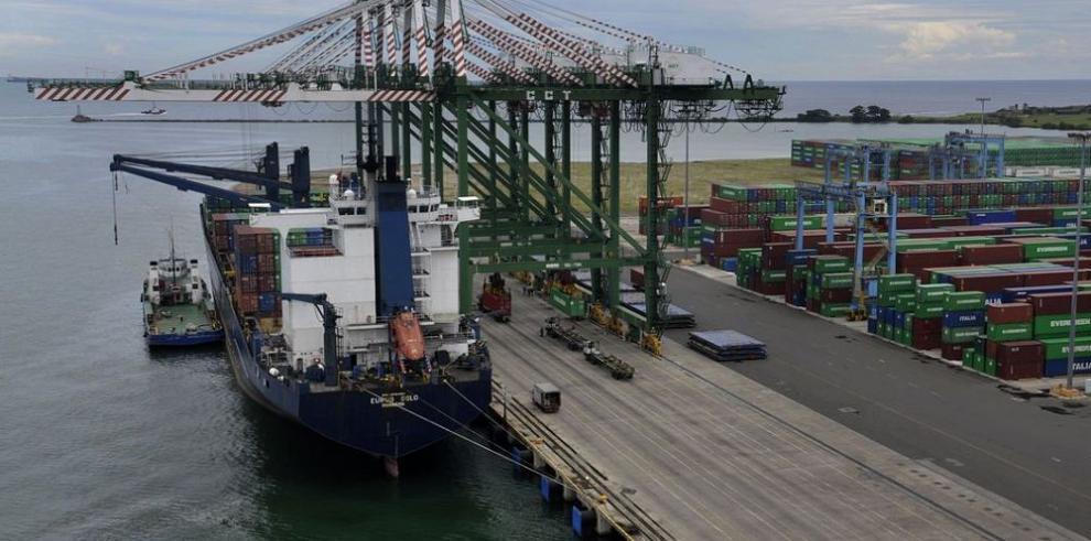 Exportaciones siguieron estancadas en 2014