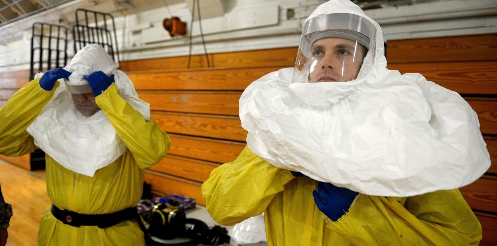 Conozca cómo se protegen del ébola los trabajadores de la salud