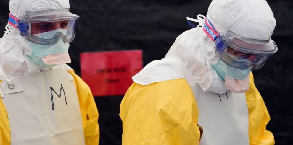 Guatemala decreta alerta en aeropuerto por riesgo de ébola