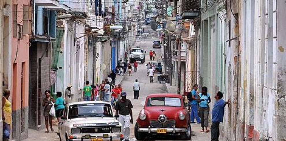 Desde apps hasta pizza a domicilio: el ingenio privado moderniza Cuba