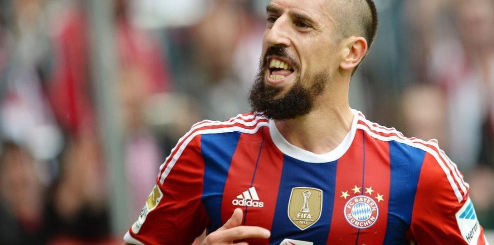 Xabi Alonso debuta y Ribery anota en victoria del Bayern