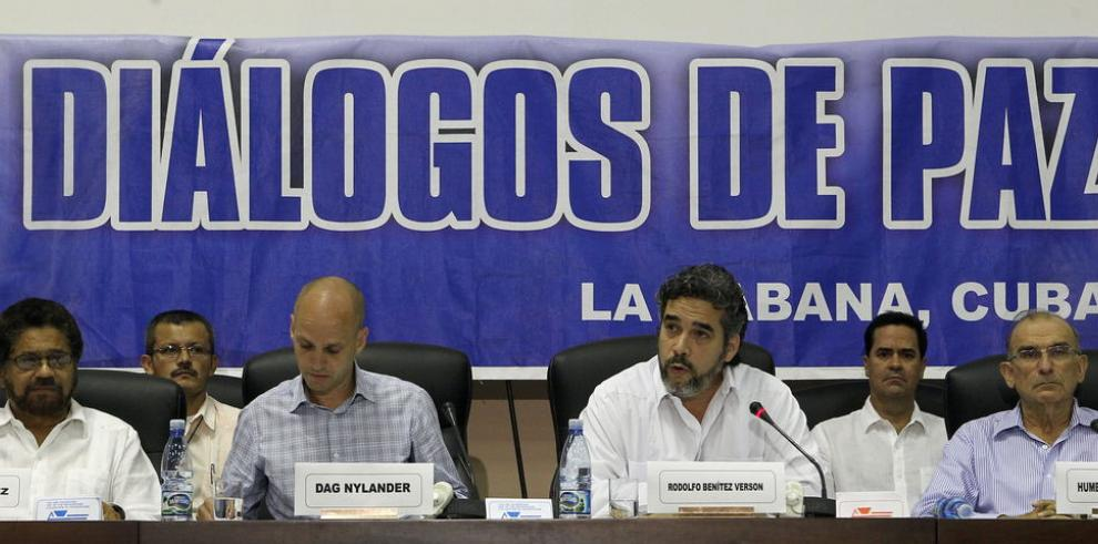 Santos y Zuluaga se perfilan para enfrentarse en el balotaje