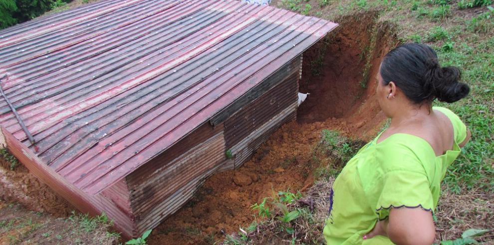 Lluvias provocan inundaciones y deslizamientos en varios puntos del país