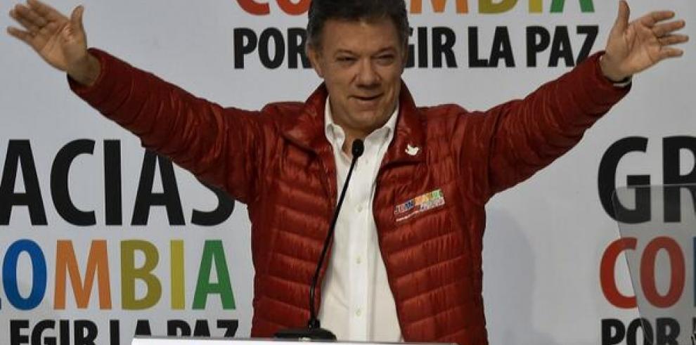Juan Manuel Santos gana las elecciones de Colombia