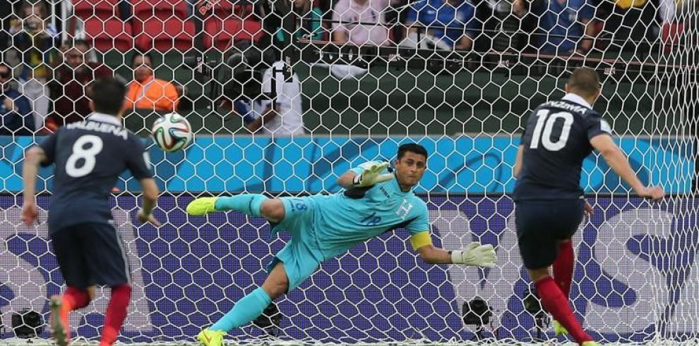 Benzemá golea a Honduras 3-0