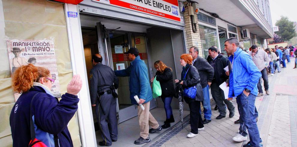Bajón récord del desempleo español