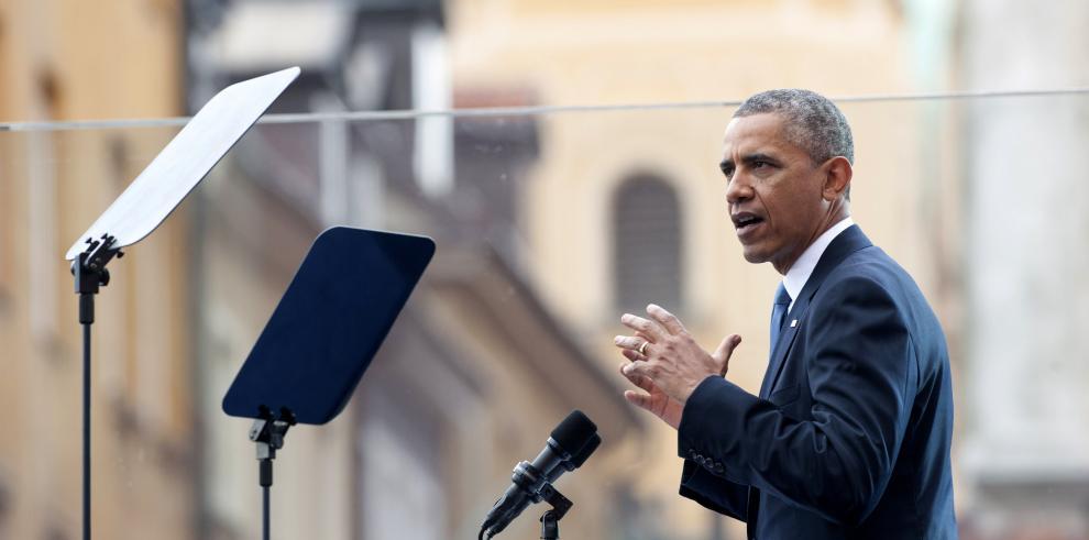 Obama condena la