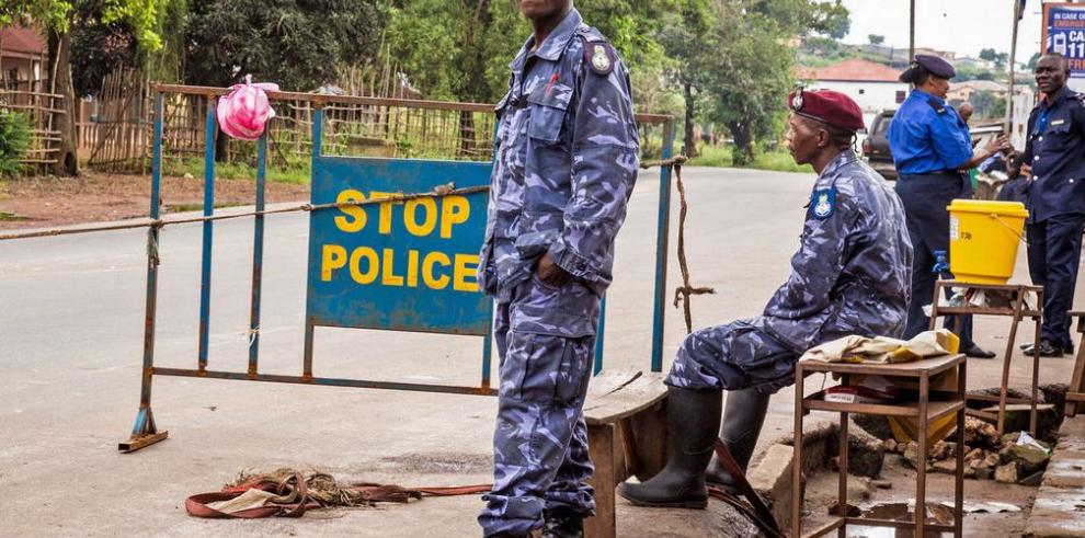 Gobierno paraliza a Sierra Leona para contener el ébola