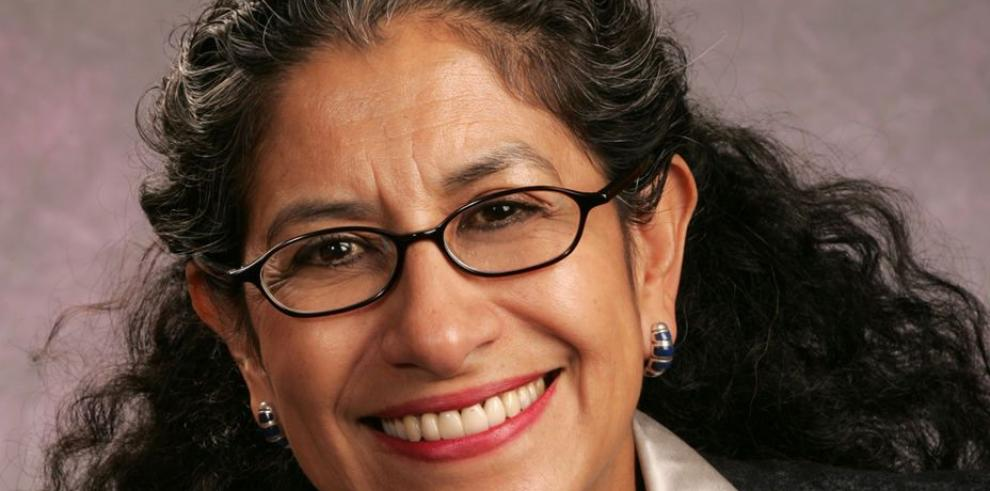 Por primera vez, Obama nomina a mujer con raíces mexicanas como embajadora