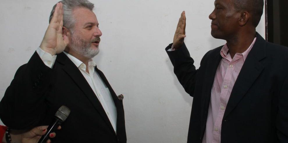 Juramentan al nuevo gobernador de la provincia de Darién