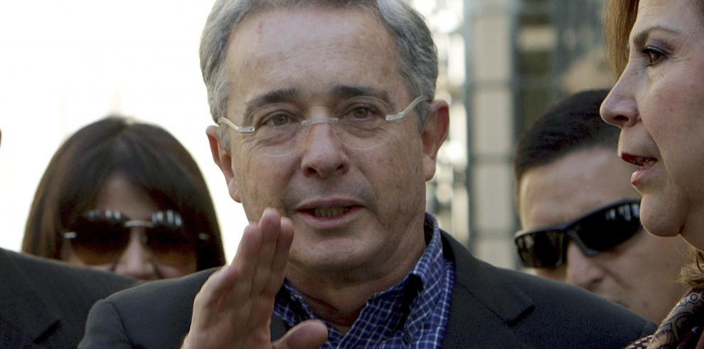 Expresidente Uribe declara ante la procuradoría de Colombia
