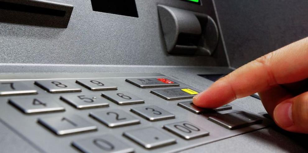 Fraude de tarjetas sube en un año $1.5 millones