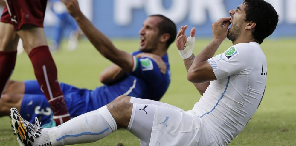 ¿Qué dice el reglamento de la FIFA sobre el mordisco de Luis Suárez?