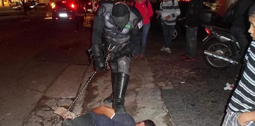 'Batman' brasileño detiene a ladrón que le robó su celular Sao Paulo