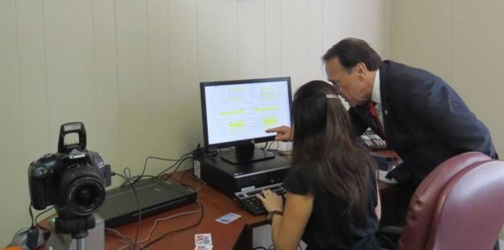 Panameños en EE.UU. ya pueden adquirir pasaporte electrónico en consulados