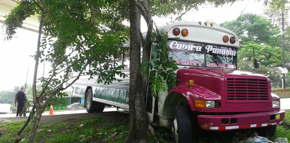 Se accidenta bus de la ruta Capira - Panamá
