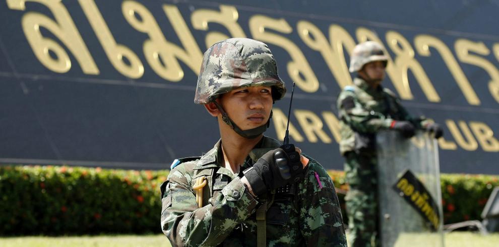 Militares dan golpe de Estado en Tailandia