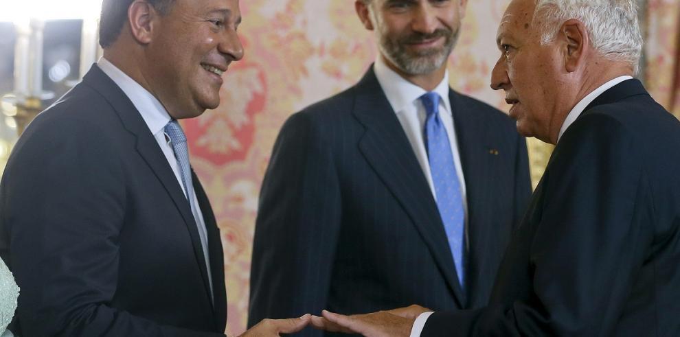 Rey Felipe VI dice a Varela que España
