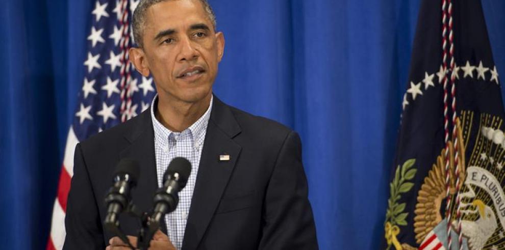 Obama critica saqueos y