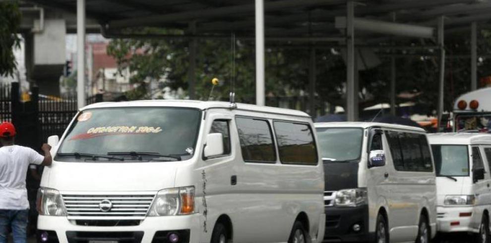 """ATTT continúa con operativos de buses """"piratas"""""""
