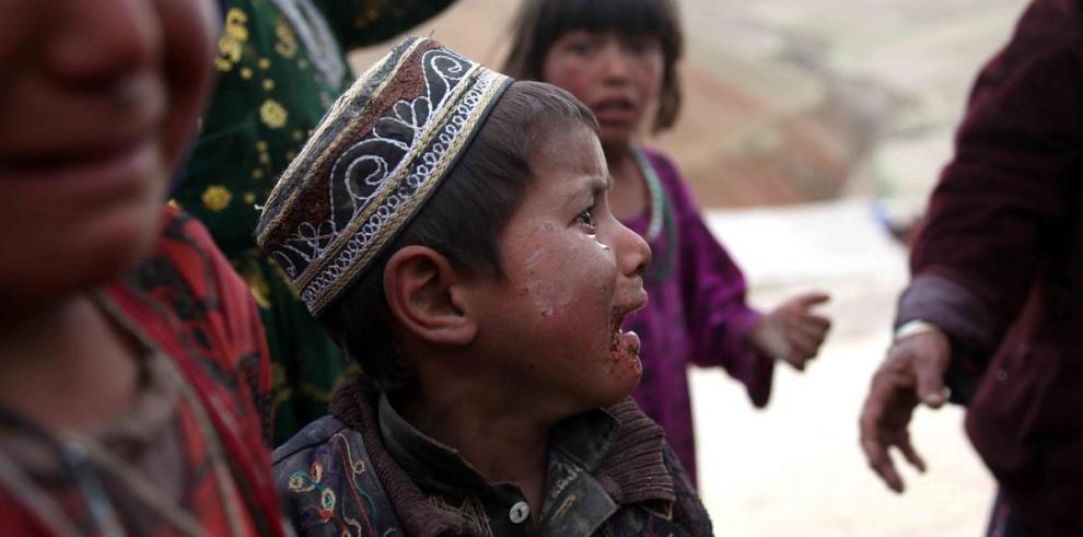 Afganistán guarda luto a los dos mil muertos por el alud