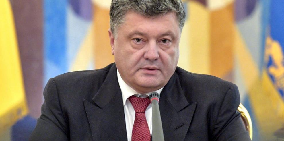 Poroshenko denuncia el despliegue de tropas rusas