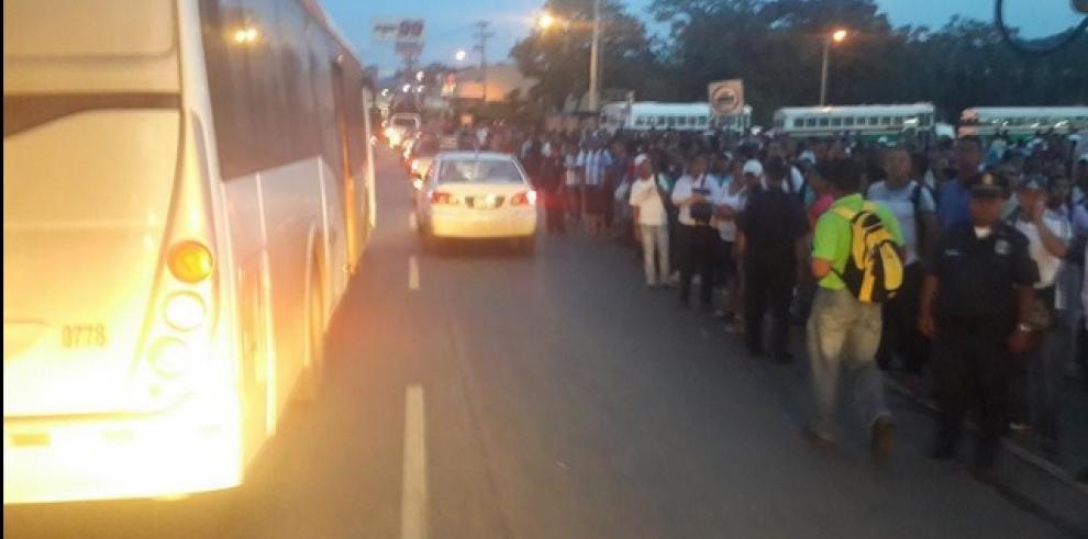 Transportistas de Panamá Este cierran las vías y piden más seguridad