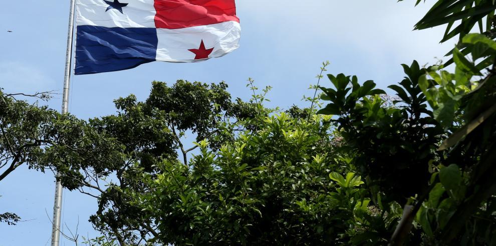 Cambiarán el asta de la bandera en el Cerro Ancón
