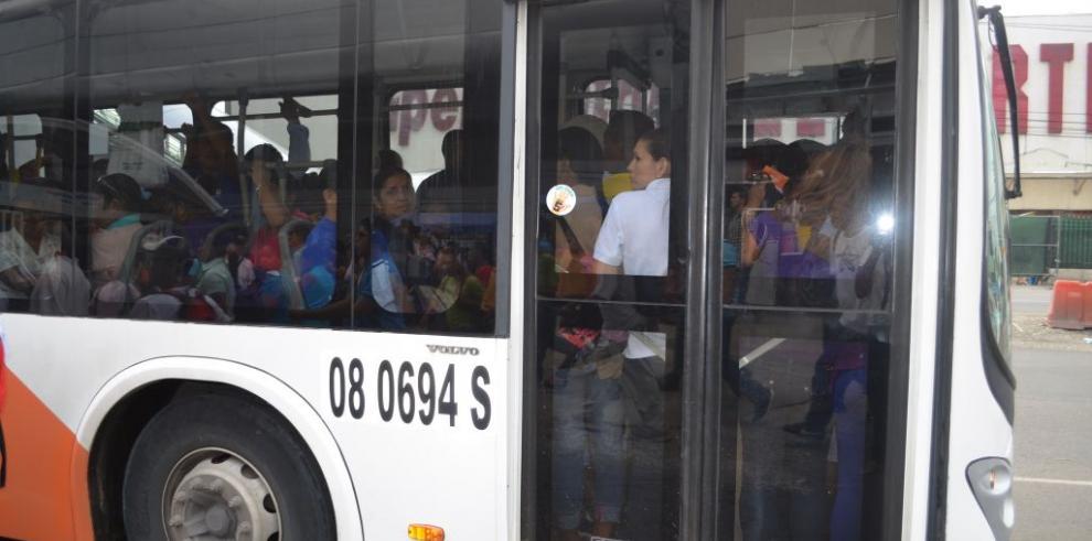 MiBus establece nueva ruta Albrook-UDELAS
