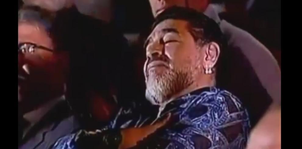 Maradona se durmió con el discurso de Nicolás Maduro