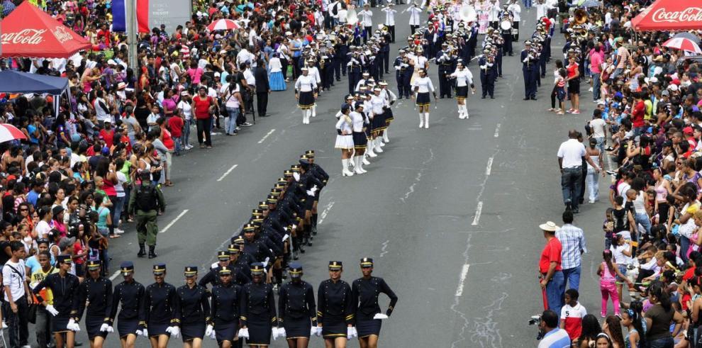 Nueva regulación de desfiles patrios