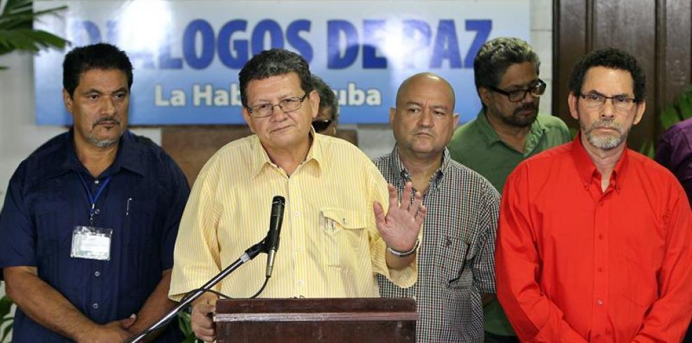 Un bloque de las FARC confirma que el general Alzate está en su poder