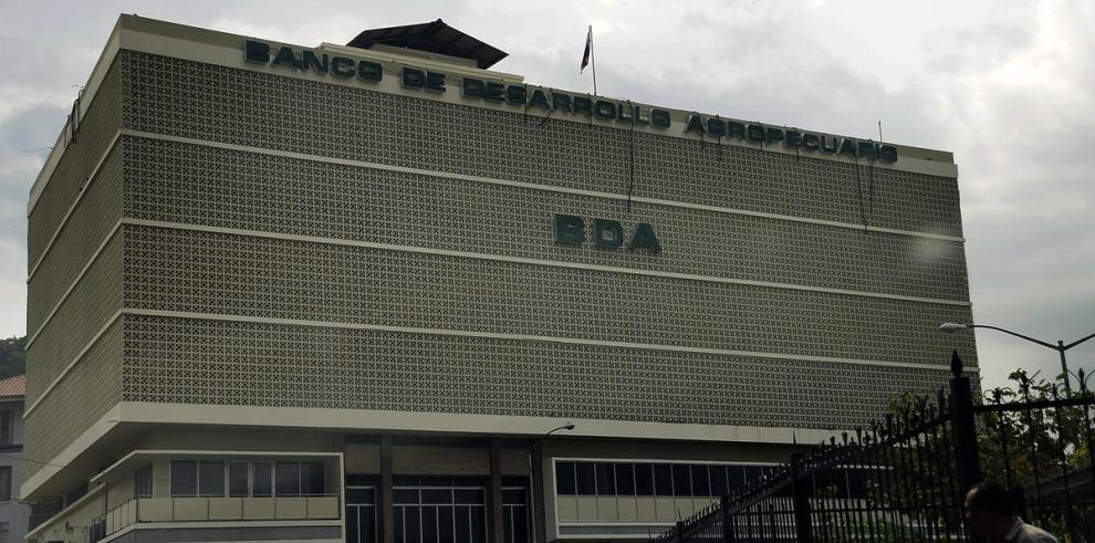 BDA abandona el sector agropecuario