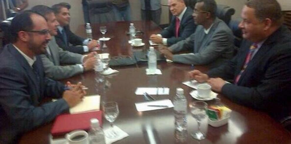 Acuerdo de gobernabilidad reúne a diputados del PRD y el panameñismo