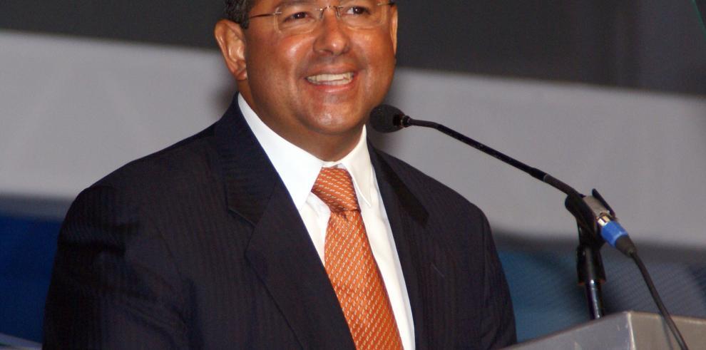 Interpol Panamá pide a El Salvador enviar solicitud de extradición de Flores