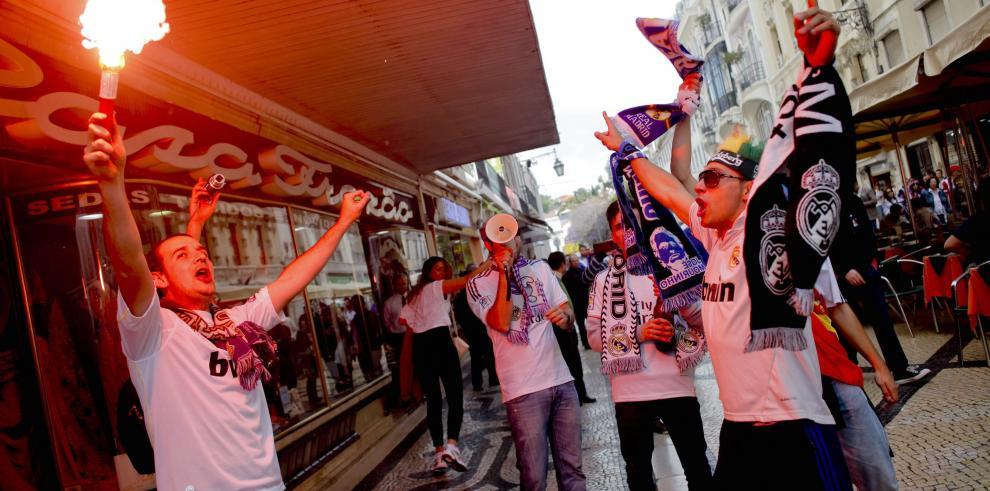 Lisboa, un hervidero de merengues y colchoneros