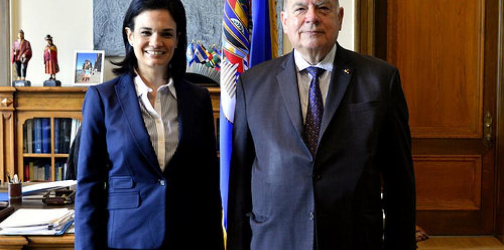 Saint Malo y secretario de OEA se reunieron con miras a Cumbre
