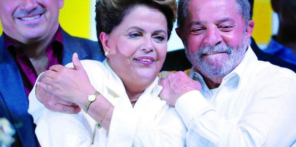 Rousseff gana las elecciones para gobernar hasta 2018
