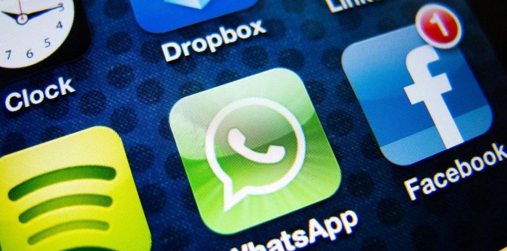 Sube la oferta de Facebook por WhatsApp