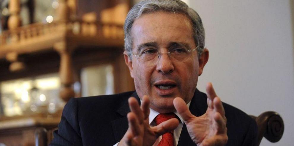 Uribe propuso a las FARC un proceso de paz durante el 2006