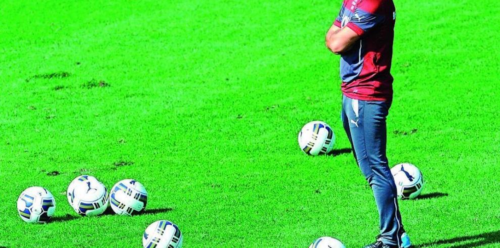 Antonio Conte resta importancia a la baja de Balottelli