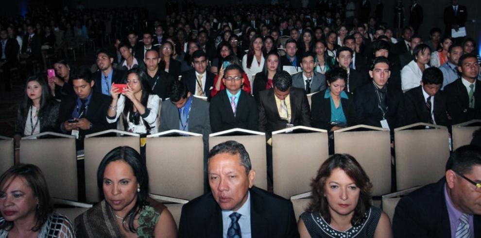 Destacan labor de ingenieros industriales en Congreso Internacional