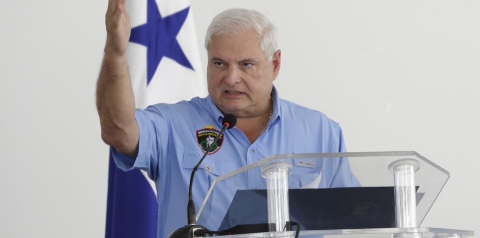 Martinelli deja los rencores y felicita al presidente Varela