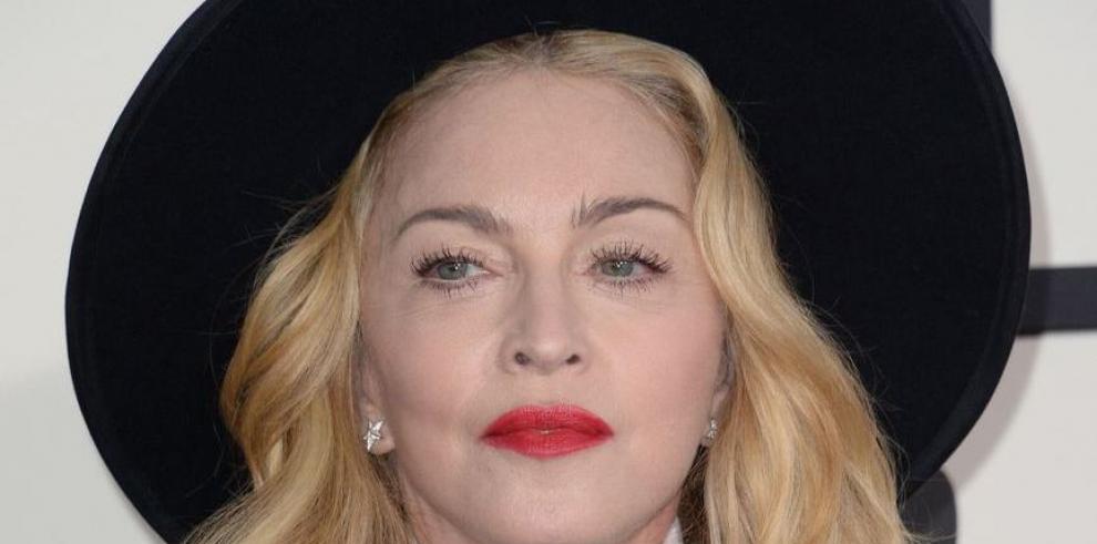 Madonna adelanta en la red seis temas