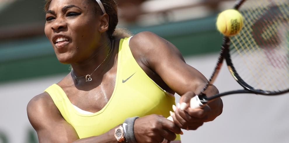Serena Williams no tiembla en su debut en París